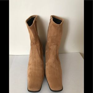 PREDICTIONS High heel brown suede boots. Size: 8